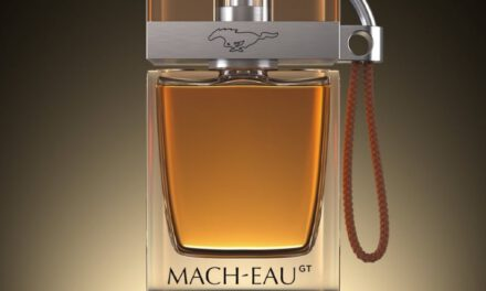 Ford entwickelt Parfüm für Benzin Fans
